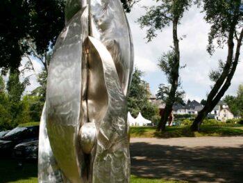 Menhir 2100 sculpture monumentale