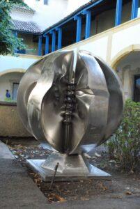 Partage richesses sculpture voyageuse