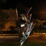 C'est beau une sculpture la nuit