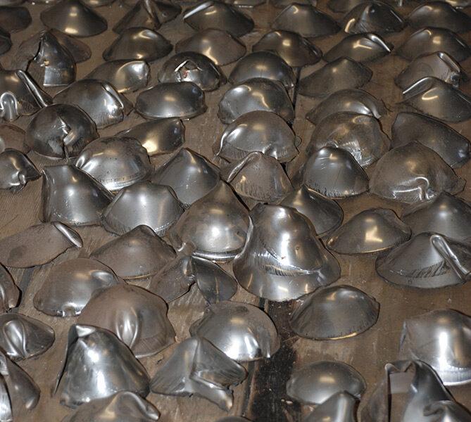 echniques du métal,découpage et emboutissage de pièces en inox