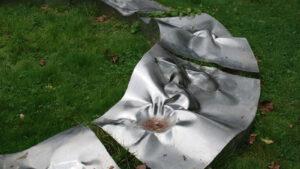 sculpture inox Mandala marée noire in situ Art Milin détail
