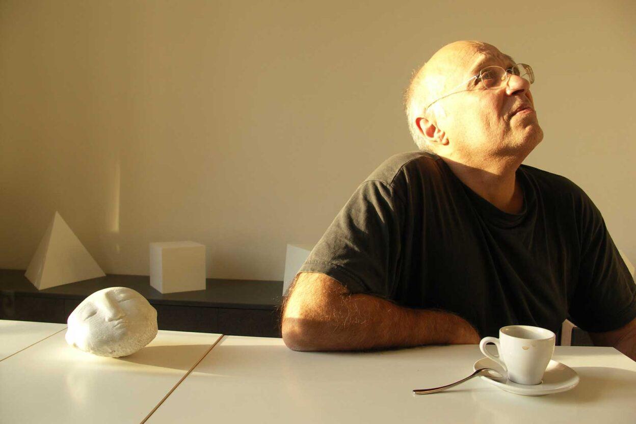 Christian Forestier galériste à Paris photographié par Patrick Collandre en 2005