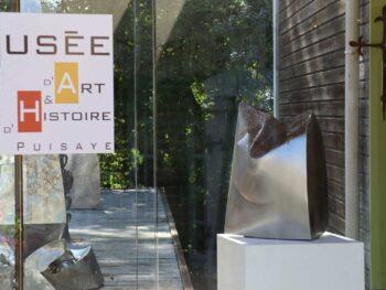 """Musée d'Art et d'Histoire de Puisaye la sculpture """"Enfoncé"""""""